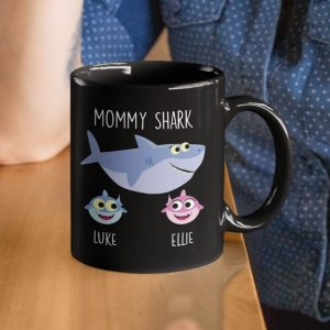 personalized-mama-shark-mug