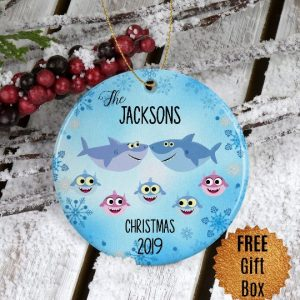 baby-shark-family-ornament