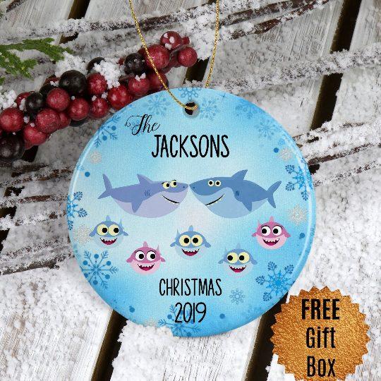 baby-shark-family-ornament